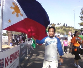 LA Marathon Expo Pinoy Flag